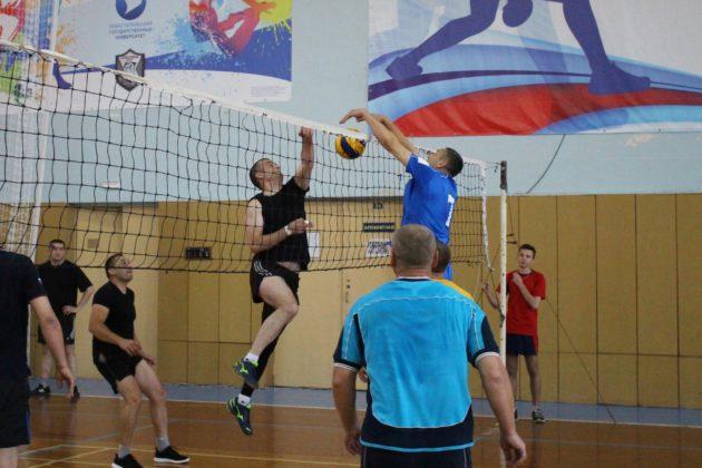 1-2 июня 2018 года прошел чемпионат Управления МВД России по городу Севастополю по волейболу