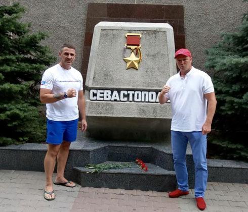 Севастополь посетил легенда российского бокса Андрей Гоголев