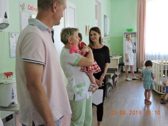 Футболисты СГ ПФК «Севастополь» традиционно поздравили детей «Дома ребёнка» с Международным днем защиты детей