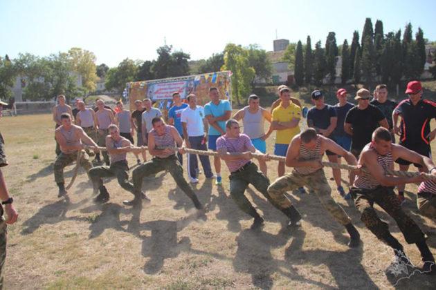 Военнослужащие севастопольского специального моторизированного полка Росгвардии стали призерами военно-спортивных состязаний