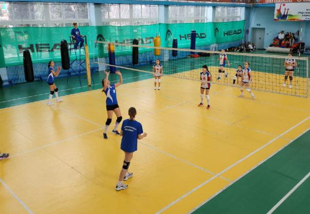 К семилетию воссоединения Крыма и Севастополя с Россией в Балаклаве прошел турнир по волейболу