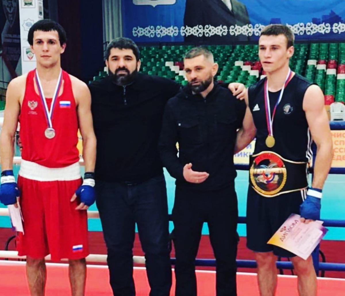 Двое севастопольцев завоевали медали Всероссийских соревнований по боксу среди студентов