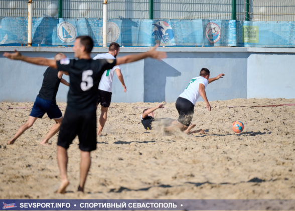Кубок Губернатора Севастополя по пляжному футболу разыграют Дозор и Ураган